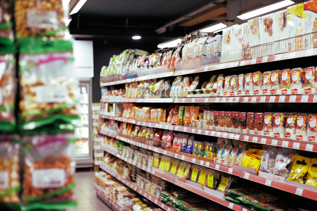 Healthy grocery shopping tips - top shelves